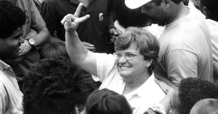 15nov1988---luiza-erundina-durante-campanha-em-itaquera-para-a-prefeitura-de-sao-paulo-1430339757305_956x500